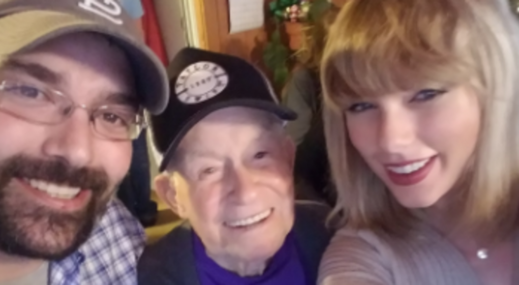 Image of Fan and Taylor Swift